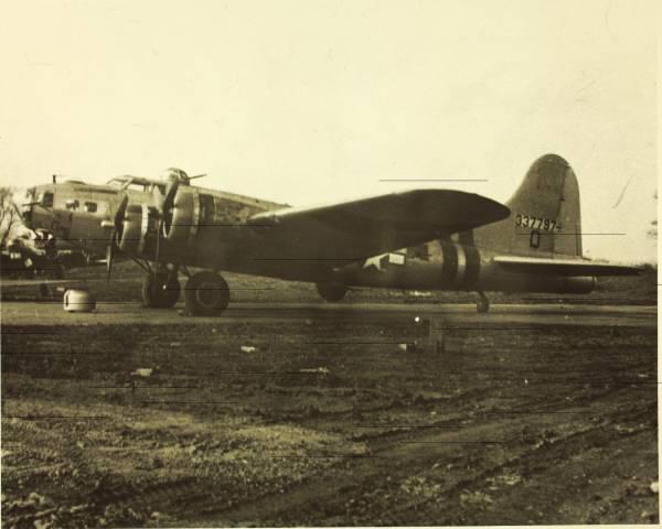 B-17 #43-37797 / American Beauty