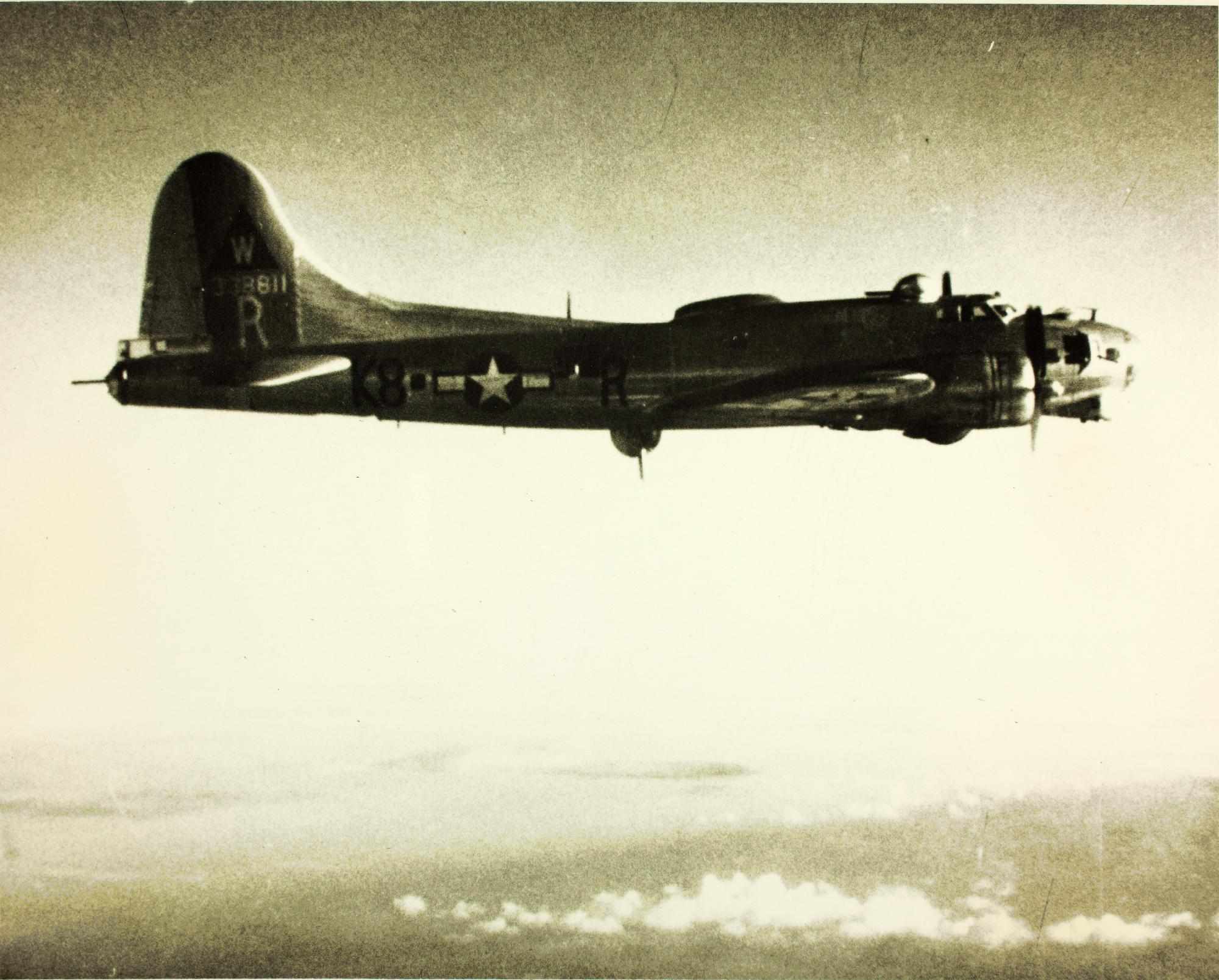 B-17 #43-38811 / Coffee's Grinder aka Little Obnoxious