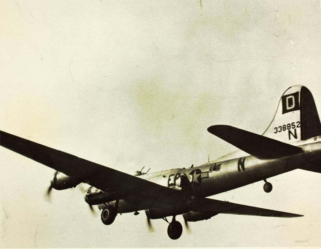 B-17 #43-38852 / Humpty Dumpty II