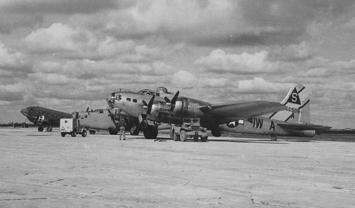 B-17 #44-6508 / Maiden U.S.A.