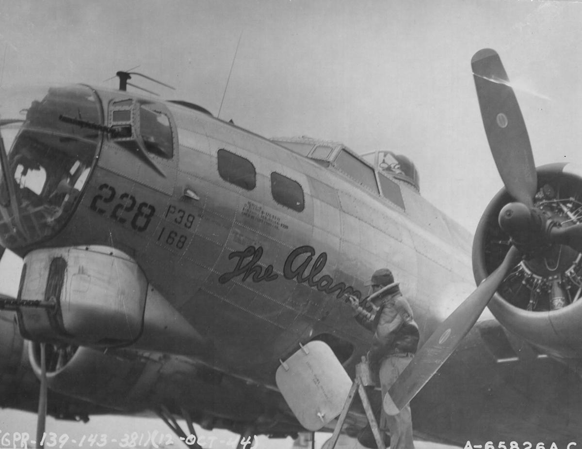 B-17 #44-8228 / The Alamo