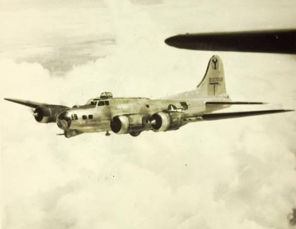 B-17 #42-107006 / Old Bird