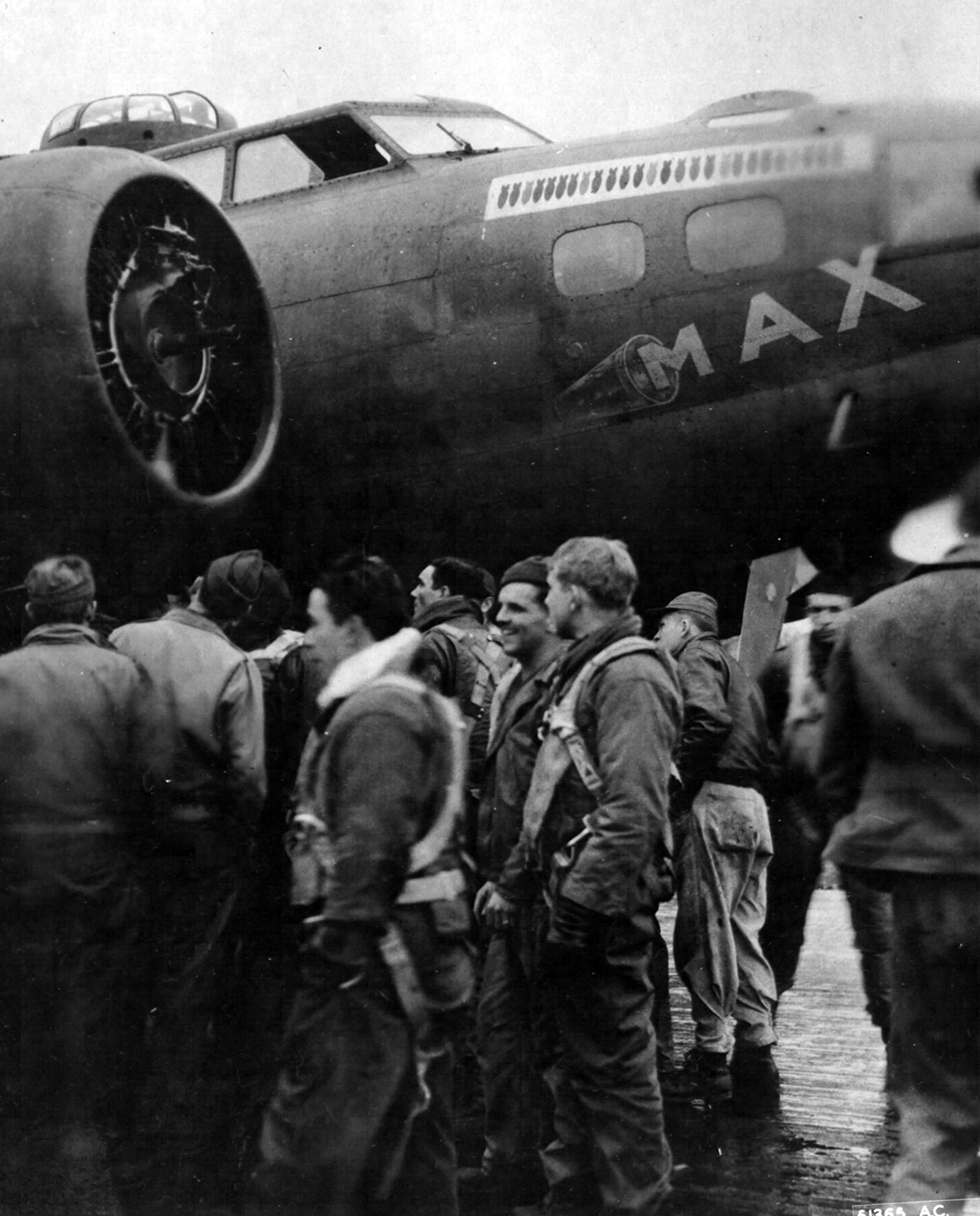 B-17 #42-3158 / Max