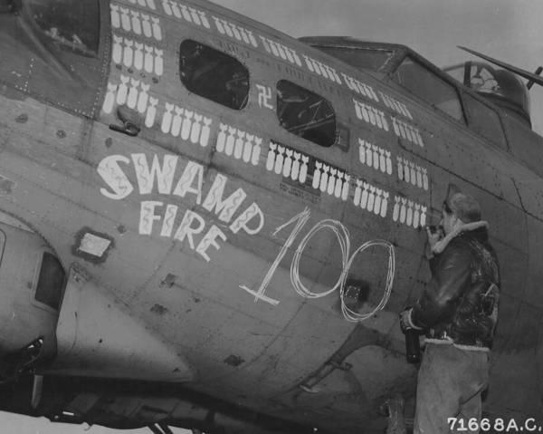 B-17 #42-32024 / Swamp Fire