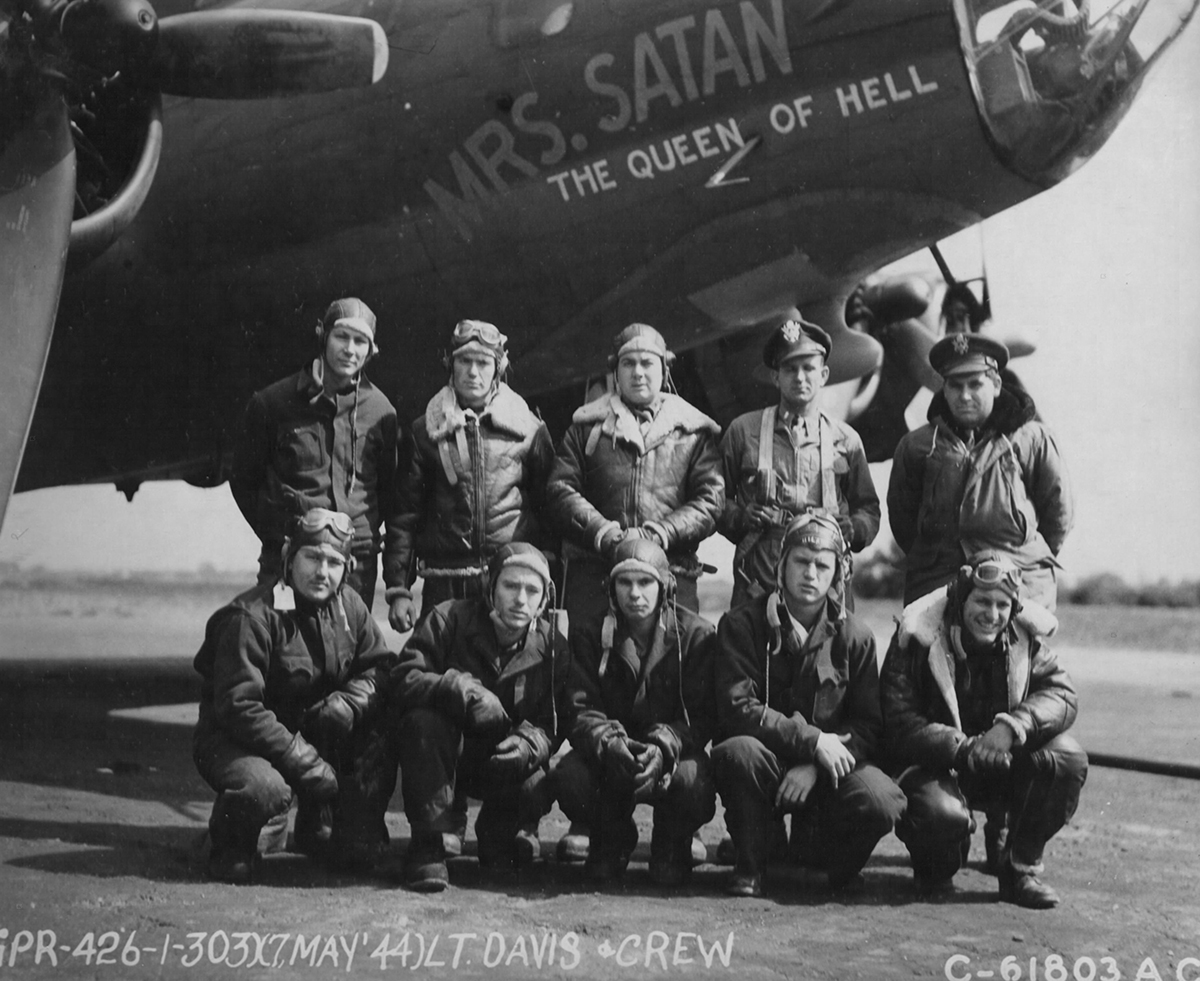 B-17 #42-3398 / Mrs Satan, The Quee Of Hell