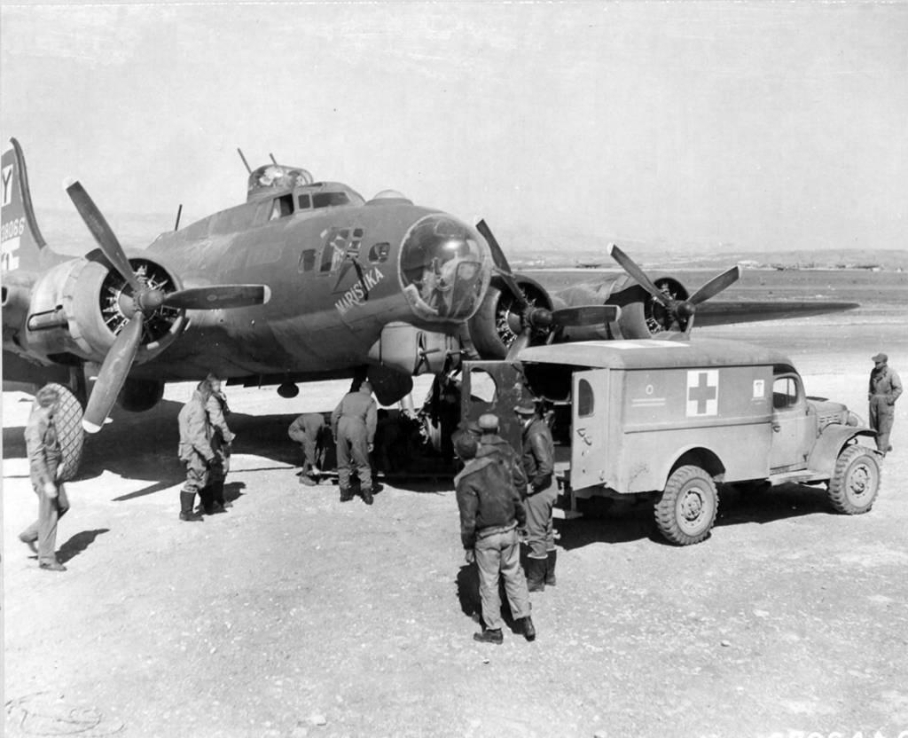 B-17 #42-38066 / Mariskha