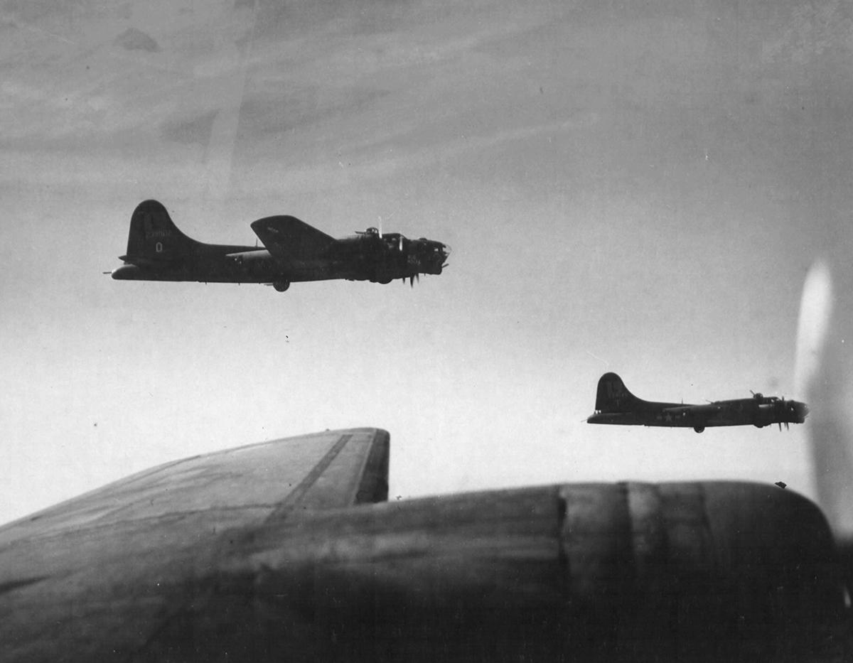 B-17 #42-39902 / Big Noise