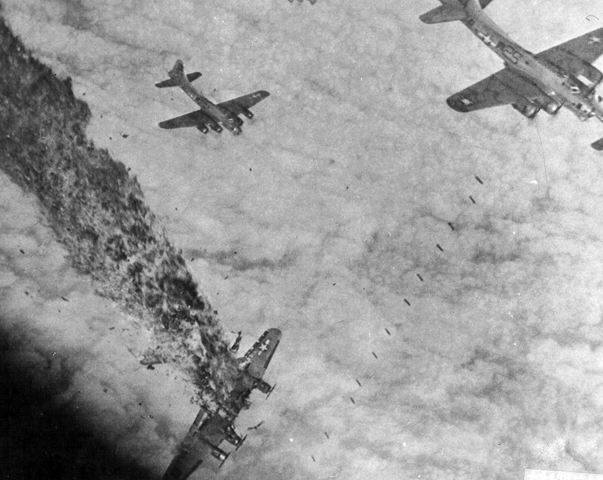 B-17 #43-37883 / Blue Streak