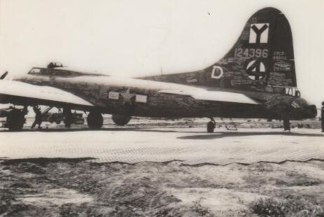 B-17 #41-24396 / Eight Ball aka Reluctant Gremlin