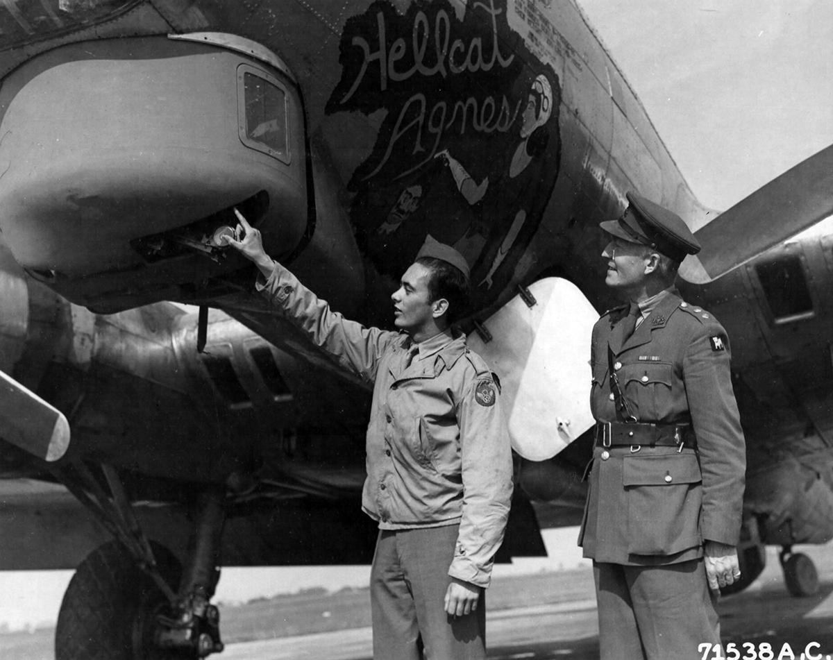 B-17 #42-102974 / Hellcat Agnes