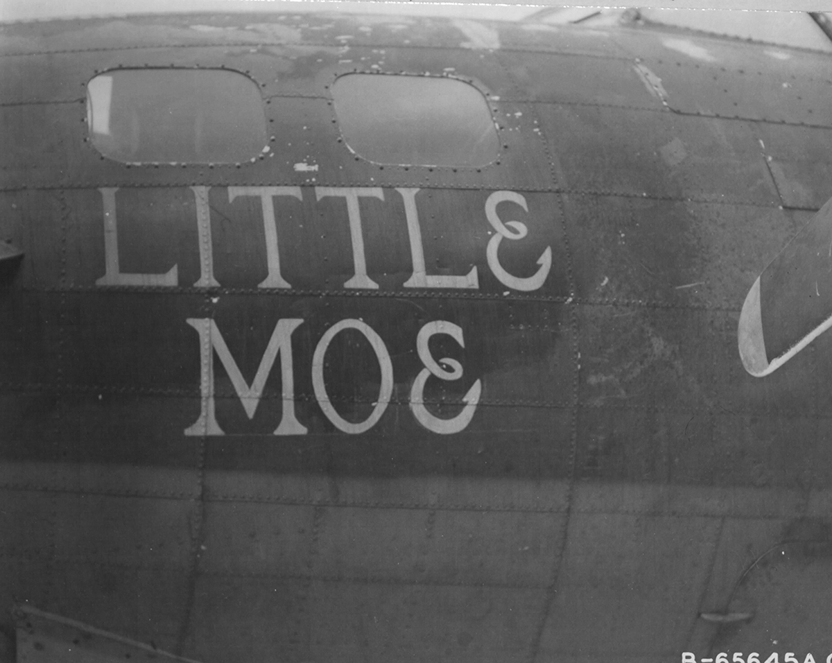 B-17 #42-31069 / Little Moe