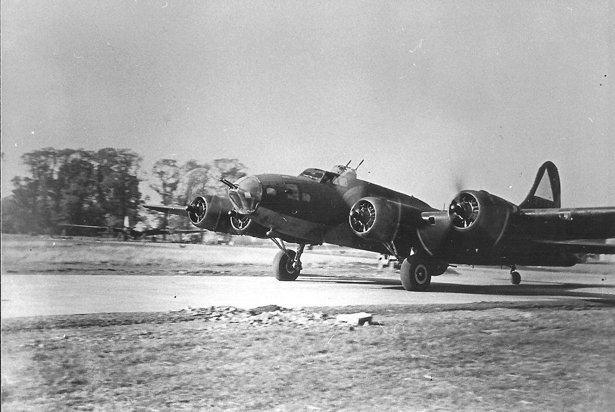 B-17 #42-5747 / Bucket of Bolts aka Hangar Queen