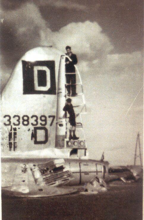 B-17 #43-38397 / Scrooges Stooges