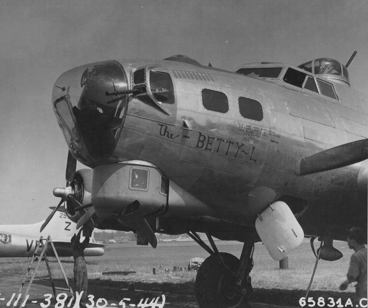 B-17 #42-102585 / The-Betty-L