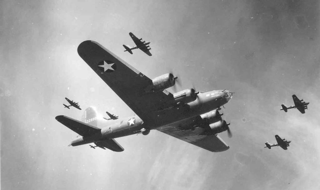 B-17 #42-29981 / HELL-LENA