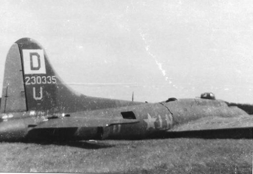 B-17 #42-30335 / Sans Finis