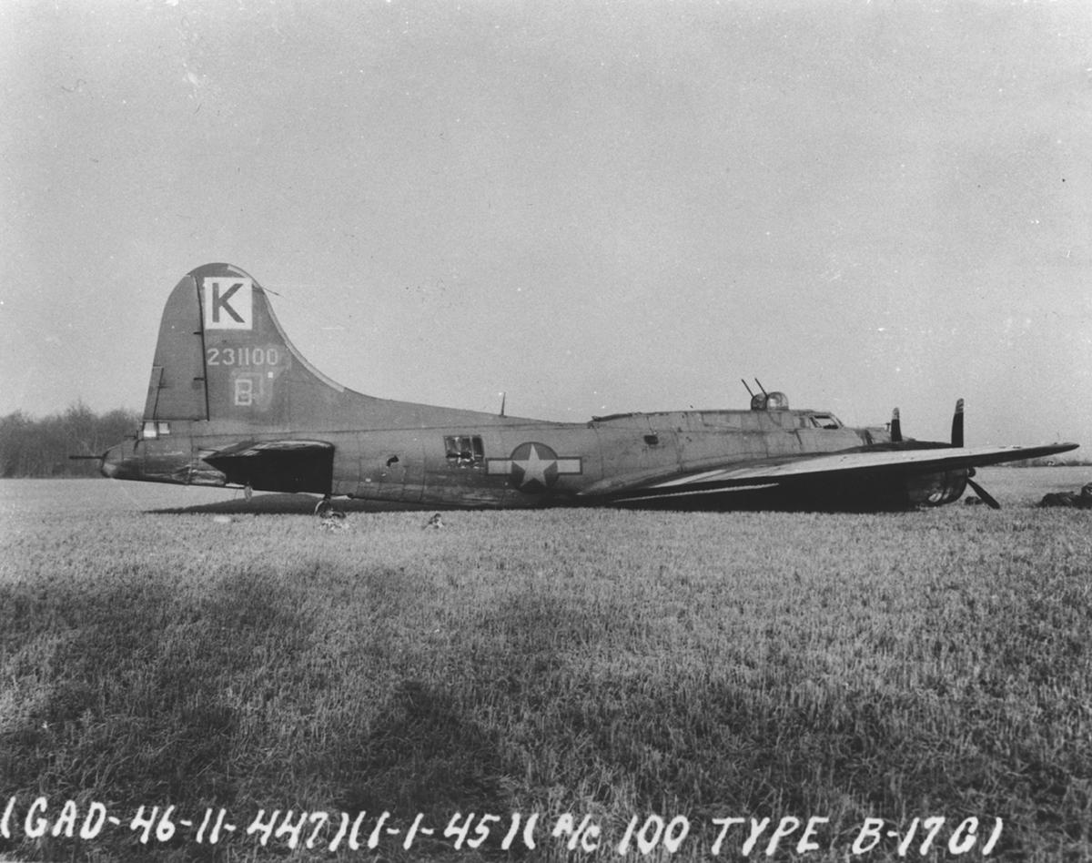 B-17 #42-31100 / The Gimp