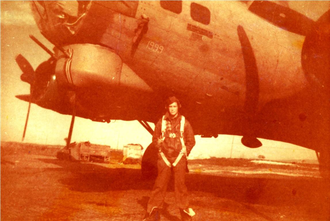 B-17 #42-31999 / Chicken Ship aka The Pickwickian aka King Salvo