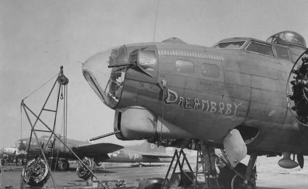 B-17 #42-32025 / Dreambaby