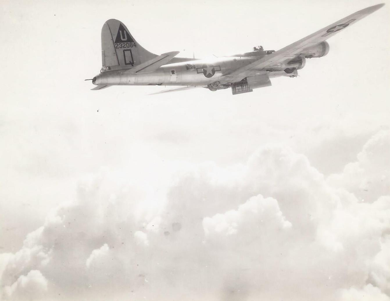 B-17 #42-32084 / Li'l Satan