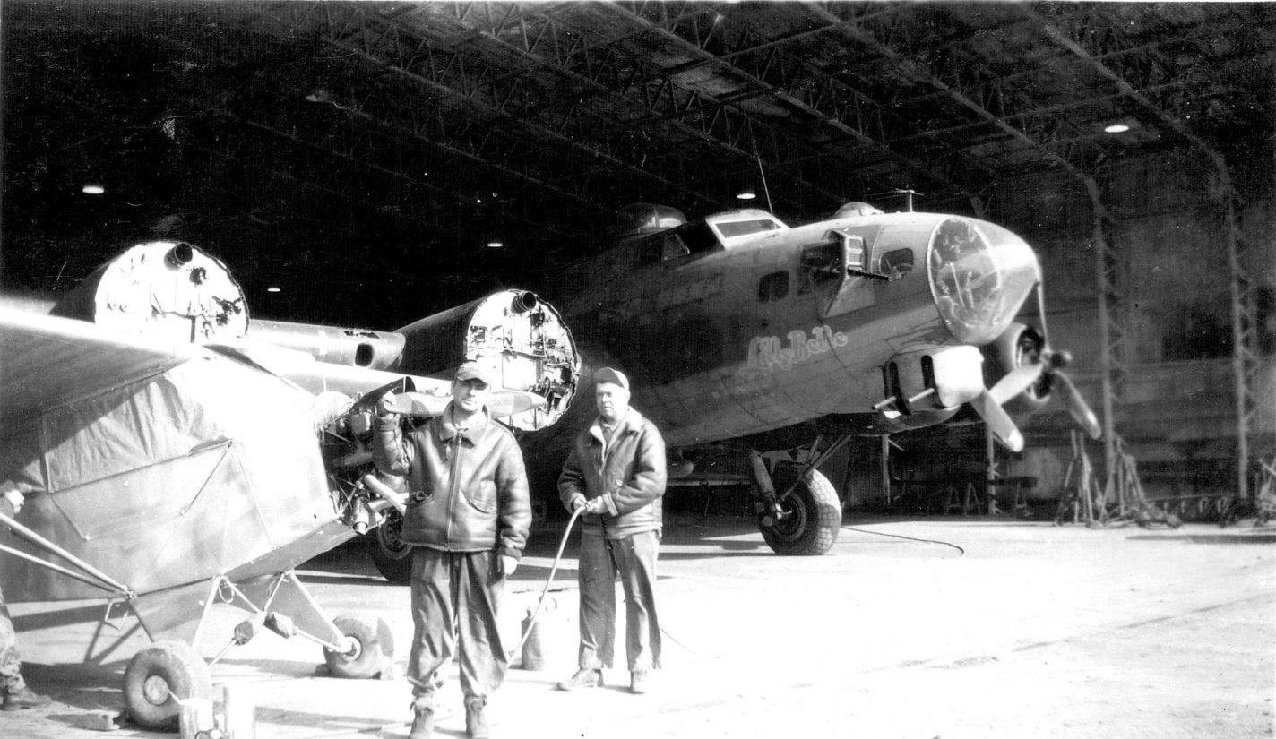 B-17 #42-38208 / Georgia Peaches aka Lilly Belle