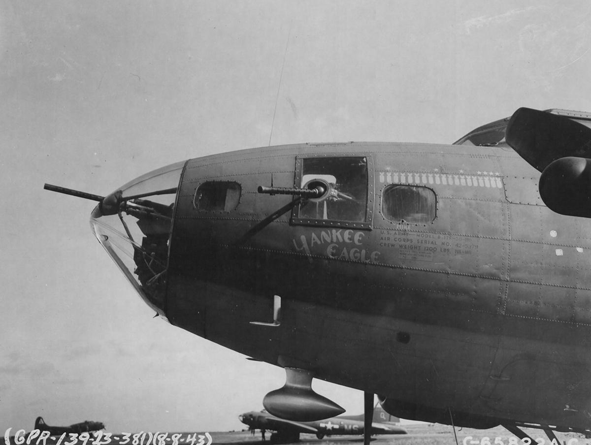 B-17 #42-5379 / Yankee Eagle