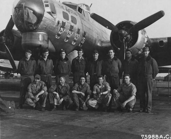 B-17 #44-6144 / The Lorrie Mae