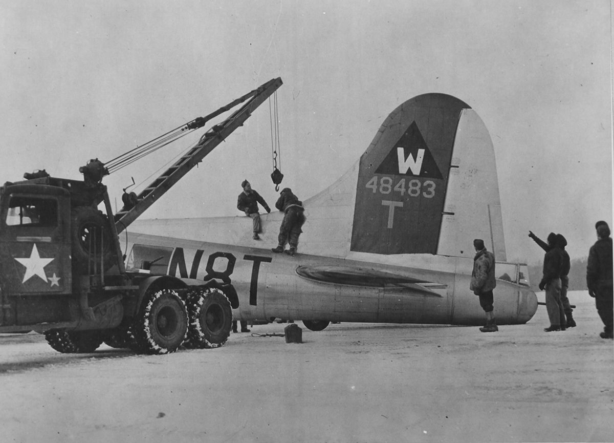 B-17 #44-8483