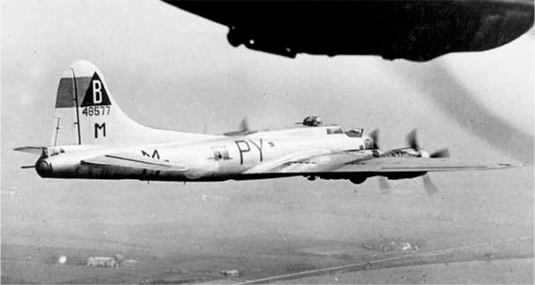 B-17 #44-8577