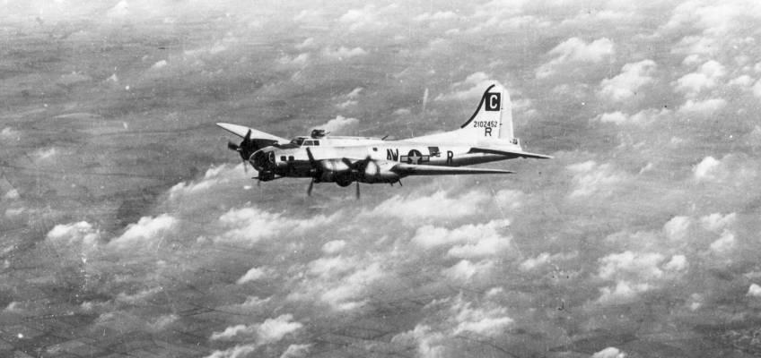 Boeing B-17 #42-102452