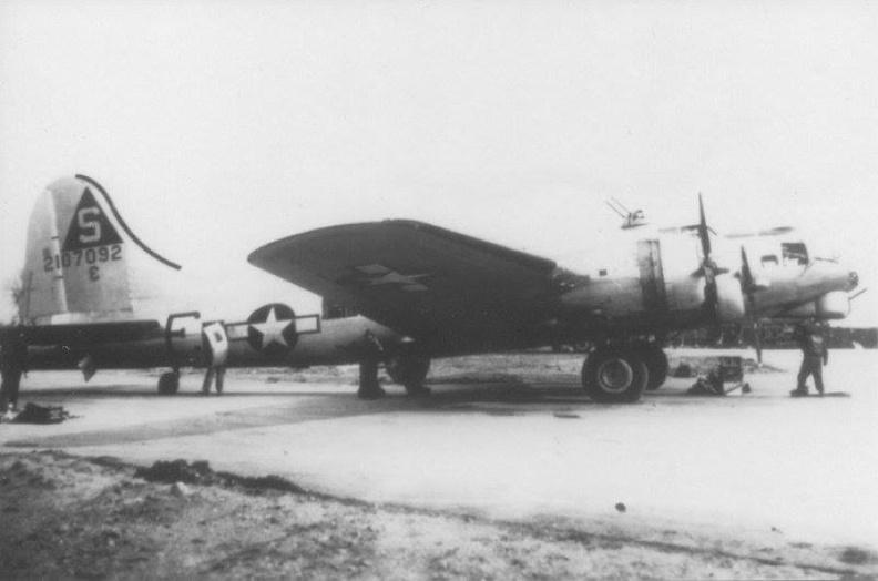 B-17 #42-107092 / Freckles aka Umbriago