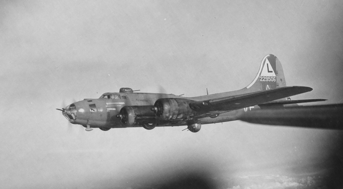 B-17 #42-29506 / Full Boost! aka White Swan