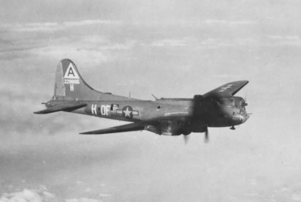 B-17 #42-29895 / The Black Swan