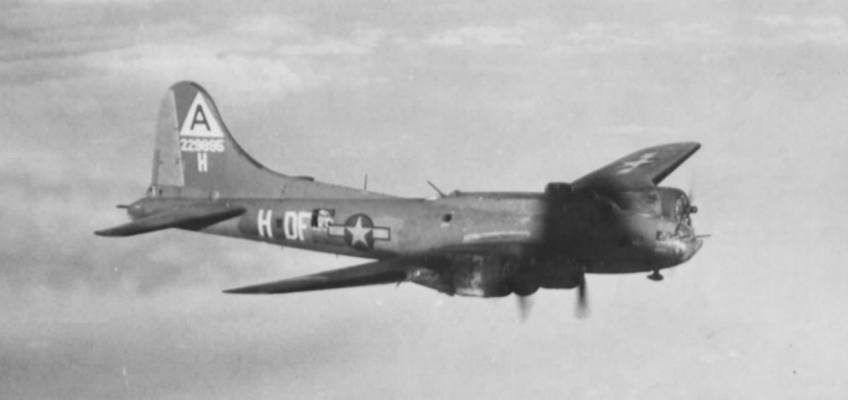Boeing B-17 #42-29895 / The Black Swan