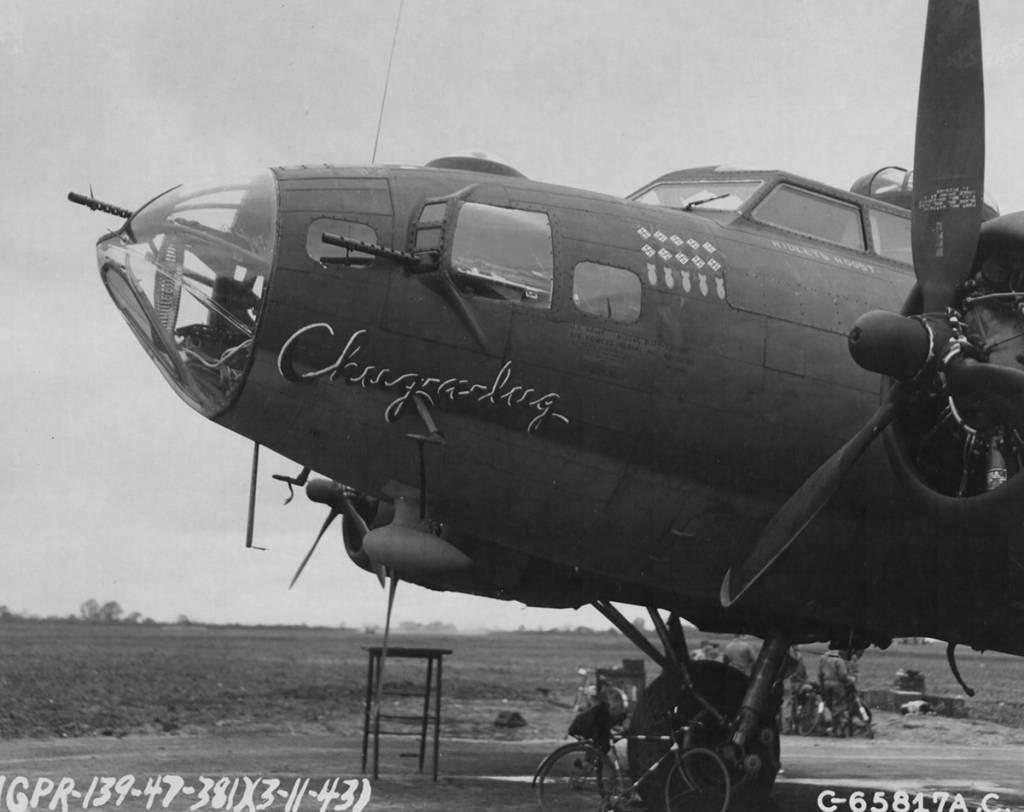 B-17 #42-30765 / Chug-a-lug aka Nip & Tuck