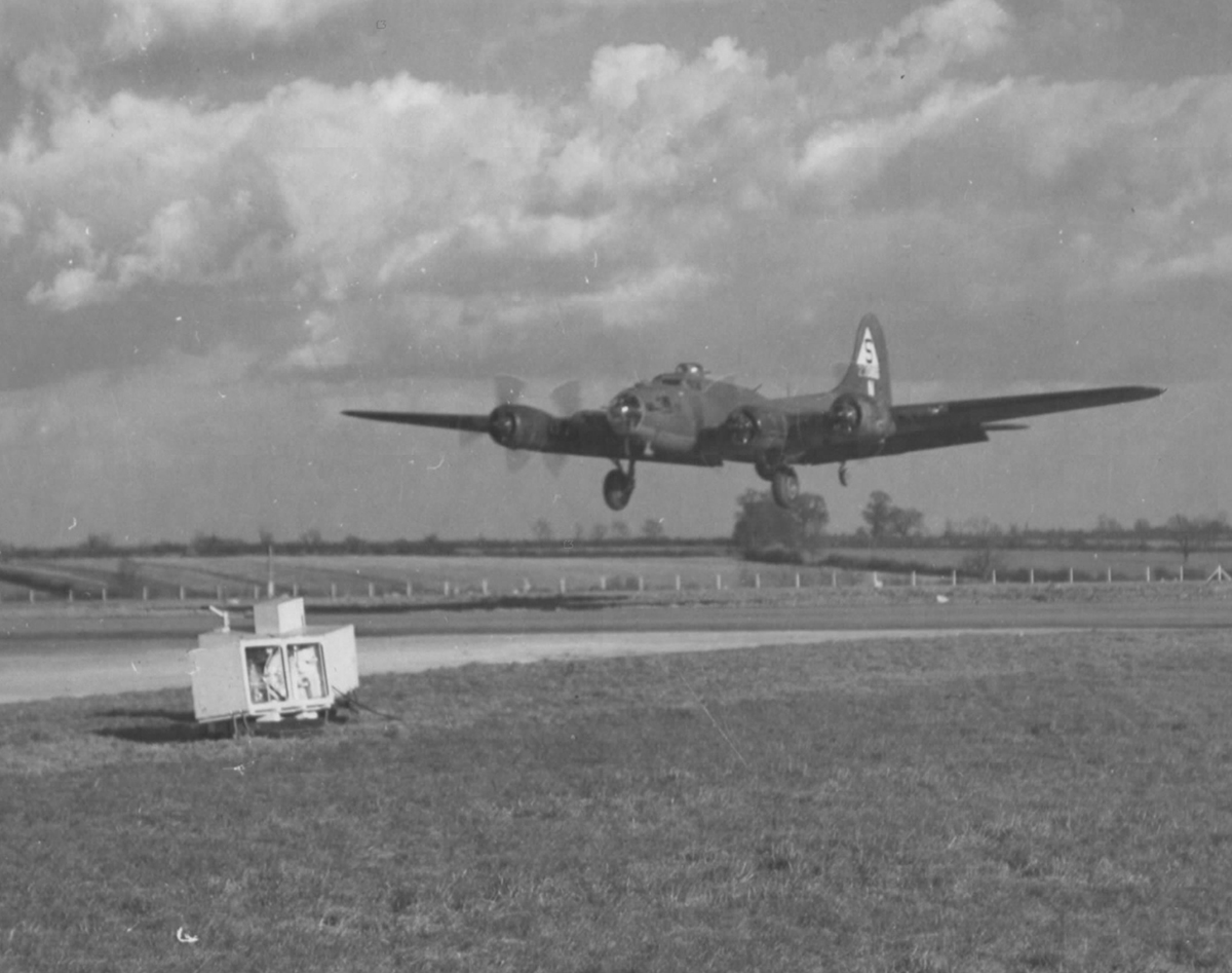 B-17 #42-30855 / Ol' Massa