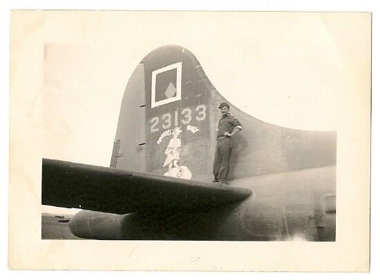 B-17 #42-3133 / Nobody's Baby