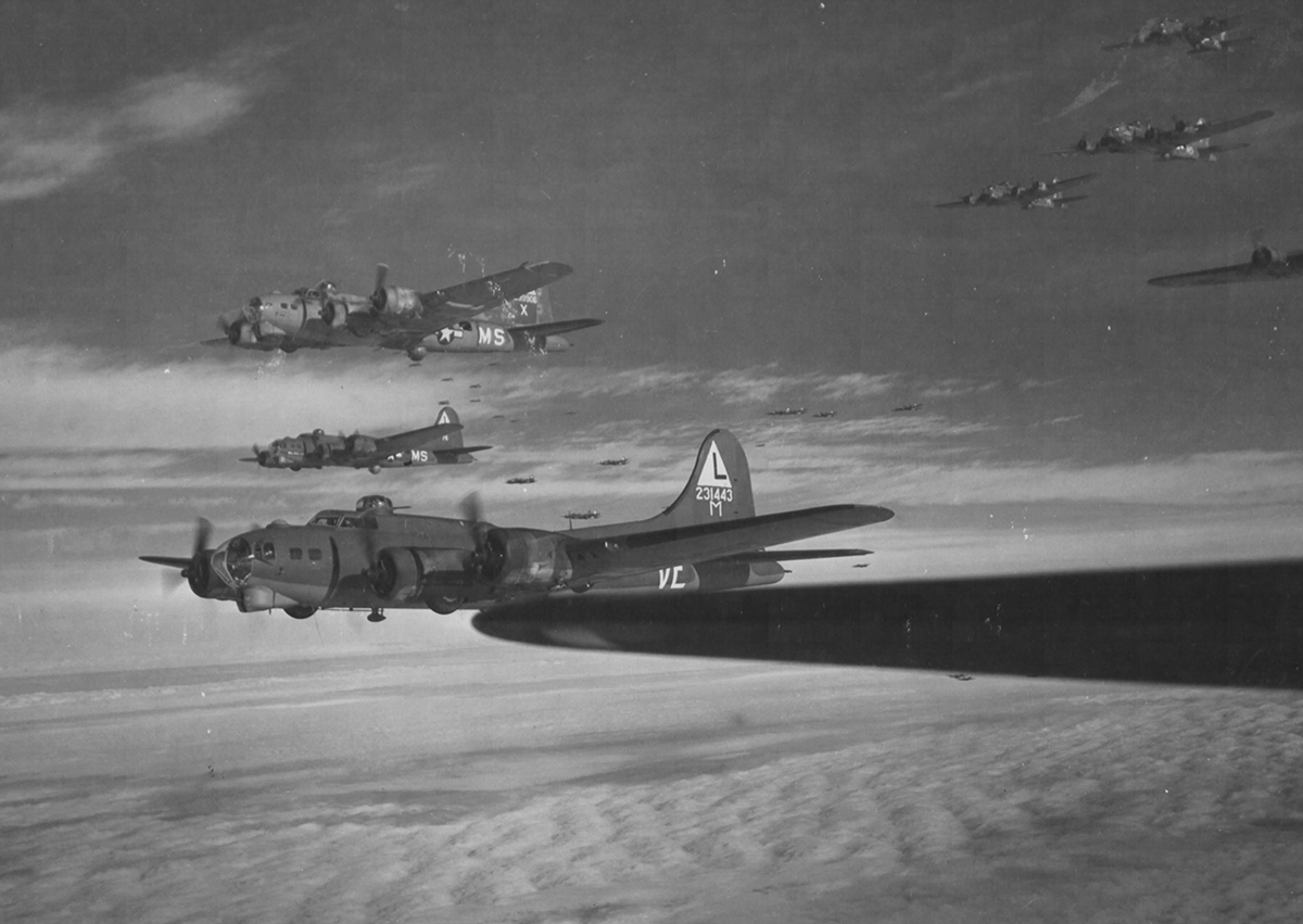 B-17 #42-31443 / Friday The 13th