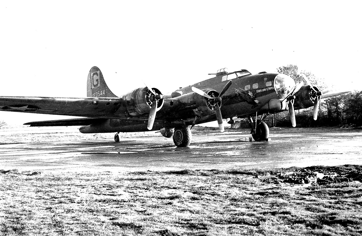B-17 #42-3544 / Stars And Stripes