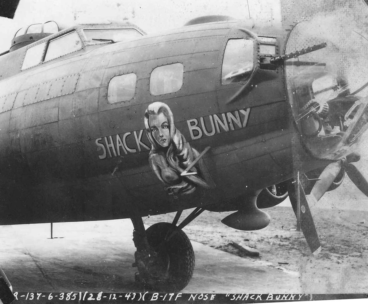 B-17 #42-3551 / Shack Bunny