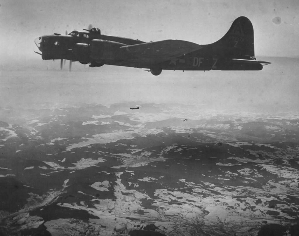 B-17 #42-39975 / Just Plain Lonesome aka Baltimore Oriole