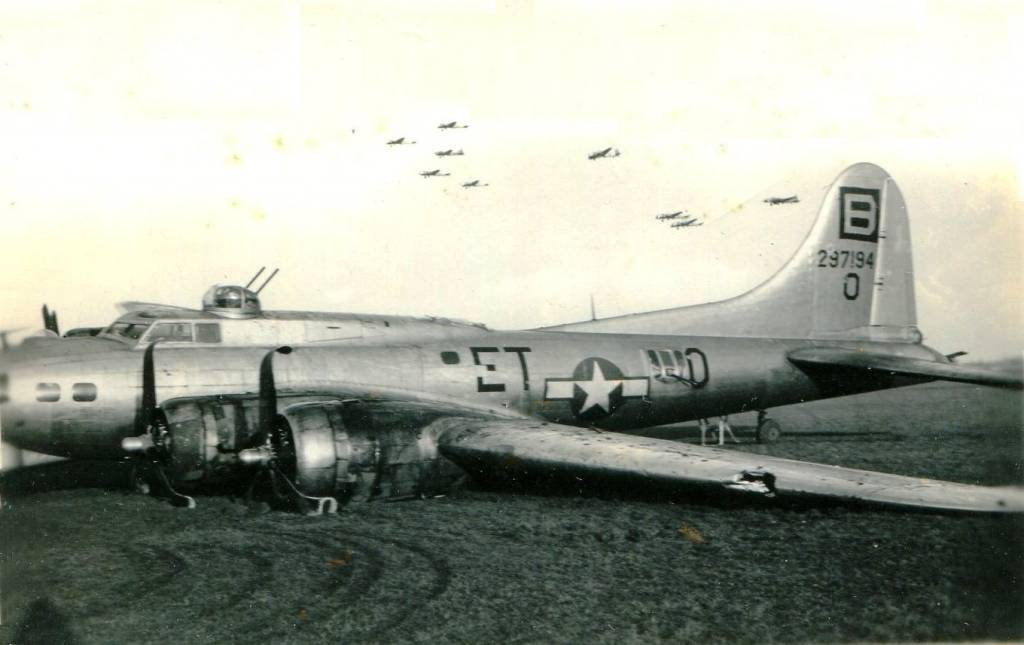 B-17 #42-97194 / Good Pickin
