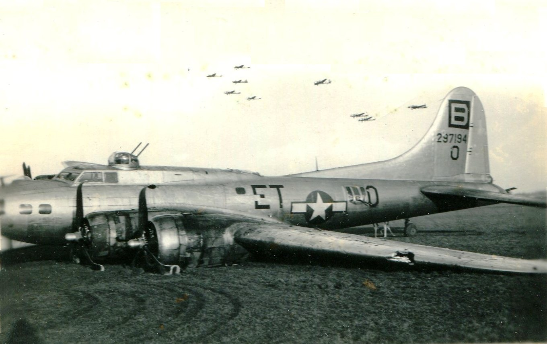 B-17 #42-97194 / Good Pickin