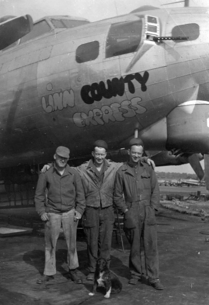 B-17 #43-39242 / Linn County Express