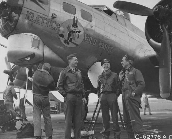B-17 #44-8588 / Klette's Wild Hares