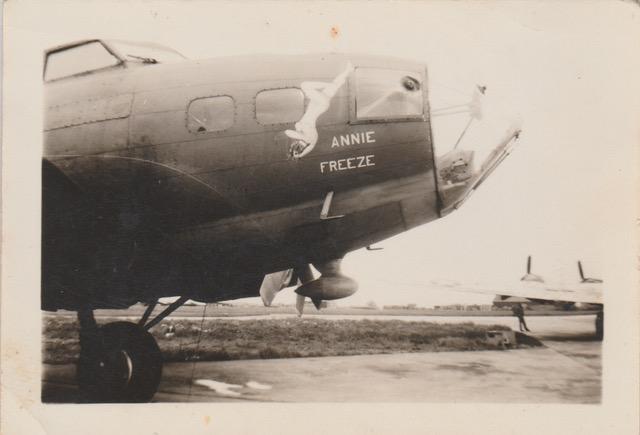 B-17 #41-24500 / Annie Freeze