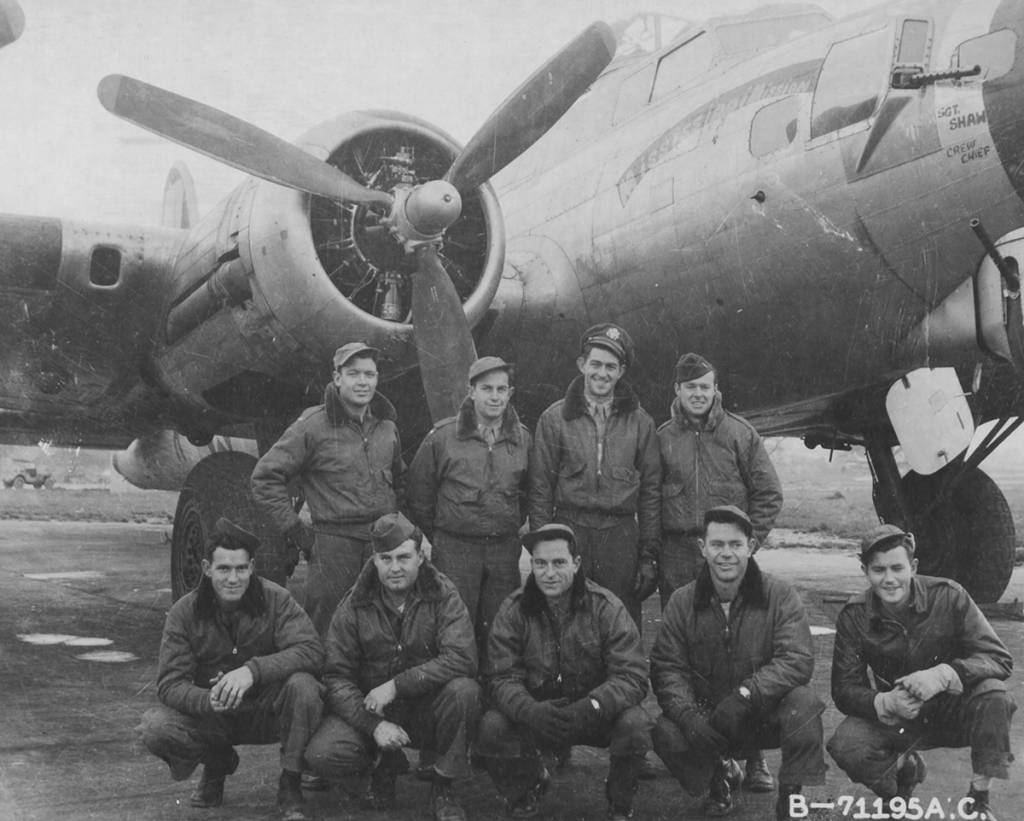 B-17 #42-102677 / Bob Tail Battler aka Mississippi Mission