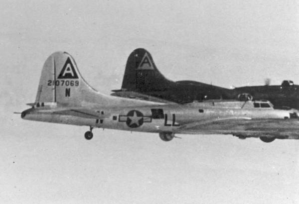 B-17 #42-107069 / Round Trip Topsy