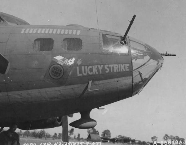 B-17 #42-29923 / Pappy's Hellions III aka The Lucky Strike