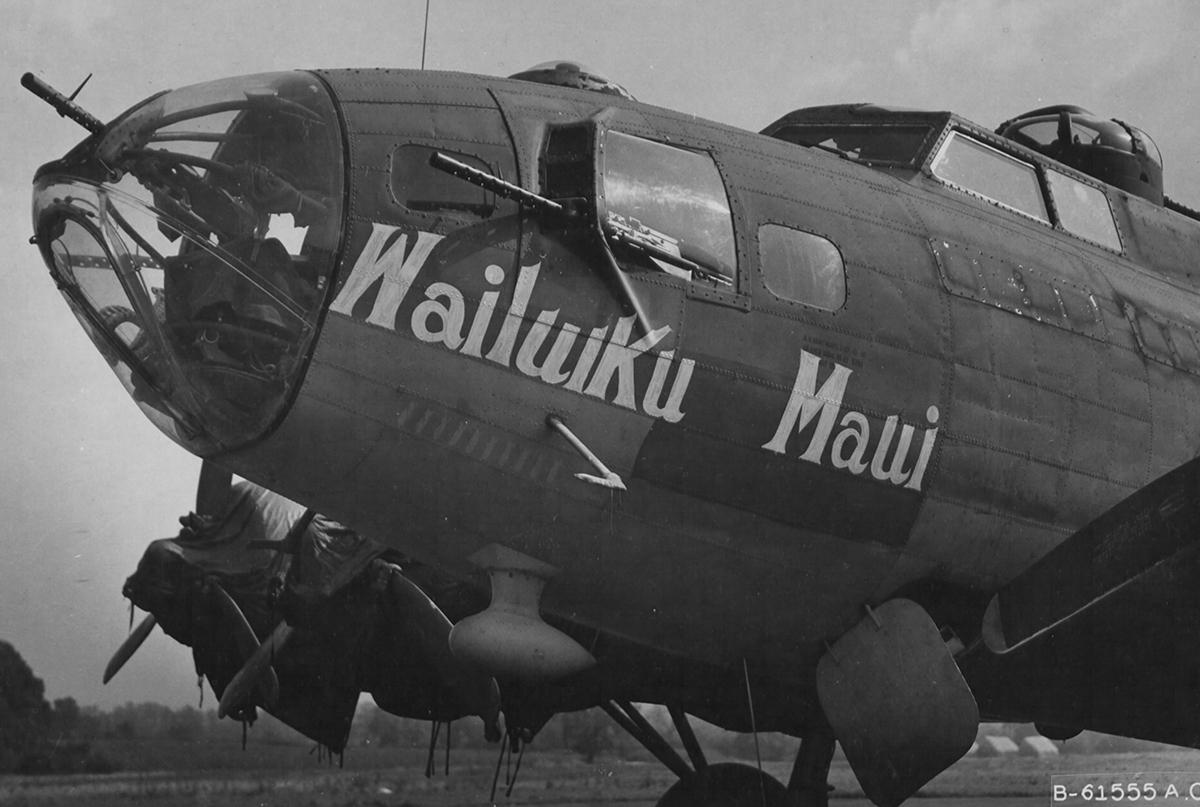 B-17 #42-3295 / Tech Supply aka Wailuiku Maui